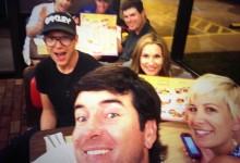 Bubba se fue a cenar a un restaurante de comida rápida tras su victoria