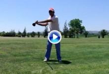 Así debemos de calentar antes de jugar una vuelta de golf (Consejos y Vídeo)