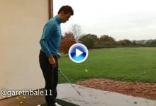El futbolista del día, Gareth Bale, también demostró su habilidad con un palo de golf