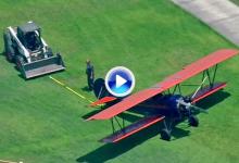 Aterrizaje de emergencia de un avión en una de las calles de Torrey Pines. Todo fue grabado (VÍDEO)
