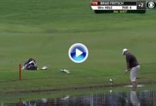 Brad Fritsch salvó el par en el 18 del TPC Southwind metiéndose dentro del agua (VÍDEO)