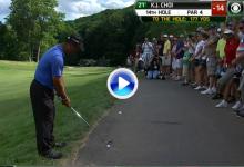 Gran golpe de K.J. Choi desde el asfalto donde reposaba su bola (VÍDEO)