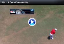 Sergio García tuvo muy mala suerte en el hoyo 6 con uno de los aspersores (VÍDEO)