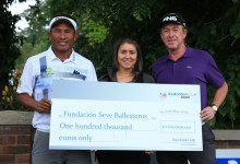 La Fundación Seve Ballesteros recibe 100.000€ de la EurAsia Cup de manos de Jiménez y Jaidee