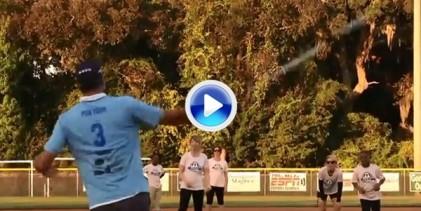 Jugadores del PGA y sus esposas practican softbol. Atención al golpe de Kuchar a una mano (VÍDEO)