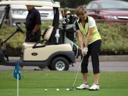 Sue Ehrhardt un ejemplo de superación: tras serle amputada una pierna el golf le devolvió la ilusión