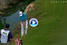 Gran chip de Harris English desde el obstaculo de agua. Dejó la bola pegada al agujero (VÍDEO)