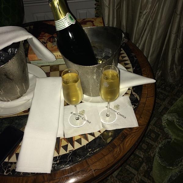 """Rory McIlroy compartió esta foto en su cuenta de Instagram el 1 de enero con esta frase """"Happy New Years everyone!! Here's to a great 2015"""""""