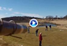 Pida y será servido: Un campo de golf utiliza drones para atender a sus clientes (VÍDEO)