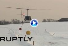 Golf desde helicópteros, nuevo deporte de moda en Rusia (VÍDEO)