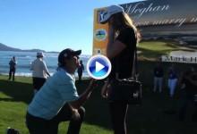 ¿Meghan, quieres casarte conmigo? Matrimonio a pie de playa en el hoyo 18 de Pebble Beach (VÍDEO)