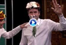 Bubba Watson añade un poncho amarillo y mucho merengue a sus dos Chaquetas Verdes (VÍDEO)
