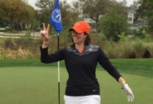 Carol Robertson, entrenadora de Virginia Tech anota dos Hoyos en Uno en tres hoyos