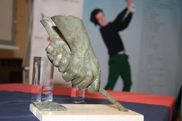 Escultura de las manos de Seve Ballesteros. Foto: Fernando Herranz
