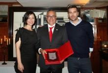 Alberto Iglesias, Director de Font del Llop Golf, recibe el premio al mejor Gerente del año 2014