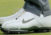 Tiger reutiliza sus viejos zapatos de hace cinco años debido a un cambio de swing