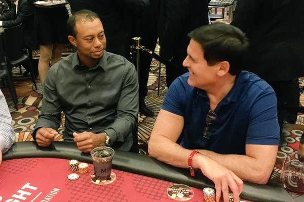Tiger Woods y Mark Cuban