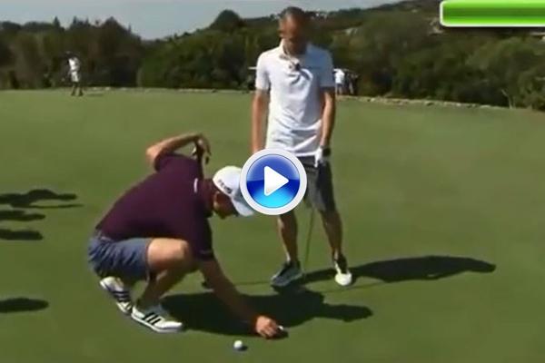 """El """"crack"""" Andrés Iniesta prueba fortuna con los palos de golf con Justin Rose de profesor (VÍDEO)"""