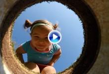 La felicidad de esta niña en un campo de golf no tiene precio. Todo grabado con una GoPro (VÍDEO)
