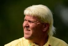Daly en estado puro: falla tres putts, lanza el putter al agua y se retira del torneo alegando una lesión