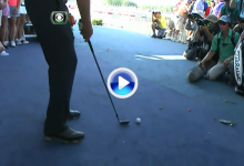 Espectáculo en Whistling Straits. Matt Jones jugó su bola desde la tarima de una de las carpas (VÍDEO)