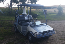 ¡Marty, tenemos que viajar al pasado! El DeLorean de Regreso al Futuro convertido en coche de Golf