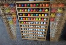 Tras 20 años de inmersión, un buzo profesional vende su colección de 3800 bolas de golf por 19mil$