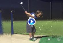 El hijo de J. Day (3 años) ya le pega a la bola. Y vaya cómo lo hace, hasta sus padres alucinan (VÍDEO)