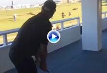 Un ex jugador de cricket compite con el Pisha por el tiro más loco hecho en el 17 de St. Andrews (VÍDEO)