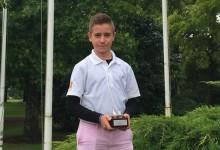 El mal tiempo no evitó que el joven Thomy Artigas volviera a ganar el Open de Francia de Pitch & Putt