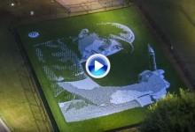 Vea, en apenas 1′, como se hizo este mosaico de Jordan Spieth con 24.152 bolas de golf (VÍDEO)