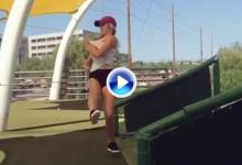 El fallido intento de Trick Shot de Paige Spiranac que ha dado la vuelta al mundo en 7 días (VÍDEO)