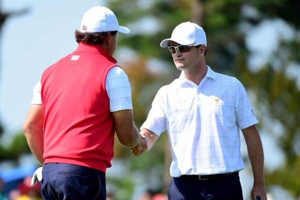 Zach Johnson y Phil Mickelson. Foto: @PresidentsCup