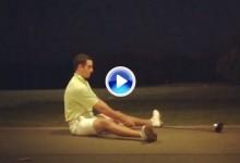 Espectacular: Este golfista golpea sentado la bola con el driver, véalo a cámara super lenta (VÍDEO)