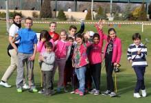 """""""Un niño, un libro"""" 120 niños comparten un día de golf en familia organizado por la Feder. Madrileña"""