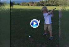 Snedeker muestra al mundo el swing de su hijo de 4 años en la previa del Torneo de Campeones (VÍDEO)