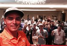 Fowler invitó a champagne a los periodistas para celebrar su victoria en Abu Dhabi