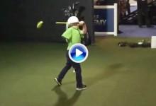 Tommy Morrissey, 4 años, el niño que nació con un solo brazo fue la estrella en el PGA Show (VÍDEO)