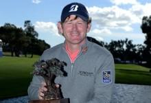 Snedeker vence contra todo pronóstico en el Farmers y levanta su octavo título en el PGA Tour