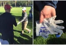 Rory regaló un guante a un espectador al que golpeó con la bola en el Riviera