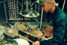 Justin Bieber ejerció de tutor musical de Caleb Watson, hijo de Bubba, en la batería