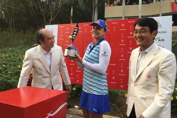 Lexi Thompson campeona en el Honda LPGA Thailand. Foto: @LPGA