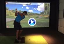 ¡Tiger da señales de vida! Muestra sus progresos practicando ante un simulador (Inc. VÍDEO)