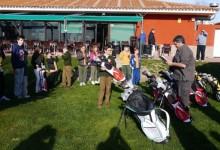 Golf en los Colegios: La FGM hizo entrega del material de golf a los alumnos del Educrea