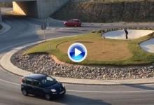 ¡¡¡Genial!!! Schjoelberg, excompañero de Jon Rahm, práctica golf en una rotonda de tráfico (VÍDEO)