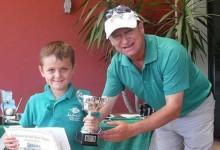 Yago Horno (7 años) devolvió los trofeos ganados tras percatarse de que había un error en la tarjeta