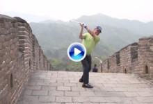 Miguel Ángel Jiménez volvió a hacer de las suyas. Golpeó la bola desde la Gran Muralla China (VÍDEO)