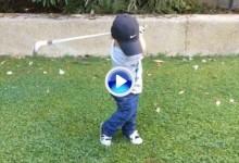 21.04.2016: Hasta su propio profesor alucina. Vea el increíble swing de este niño de tan solo ¡¡2 años!! (VÍDEO)