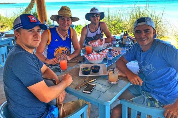Los cuatro estadounidenses disfrutaron de unos días de sosiego en las Bahamas. Foto: @RickieFowler