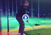 Drake disfrutó en Las Vegas practicando su swing mientras escuchaba sus propias canciones (VÍDEO)